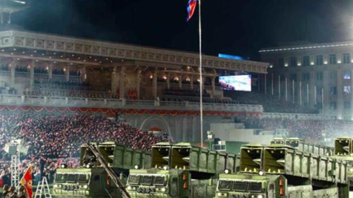 Ảnh:  Chiêm ngưỡng hàng loạt vũ khí hoành tráng trong lễ duyệt binh Triều Tiên - 13