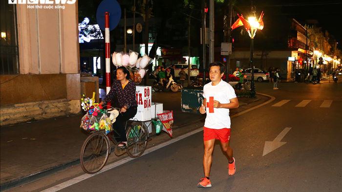 Ông Đoàn Ngọc Hải chinh phục chặng marathon đặc biệt nhất Việt Nam - 1