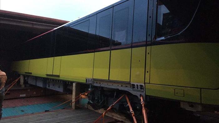 Đoàn tàu Metro Nhổn - Ga Hà Nội vừa về Việt Nam