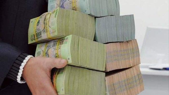 Ngân sách hụt thu trăm ngàn tỷ, nhiều tỉnh vẫn chi tiền sai quy định