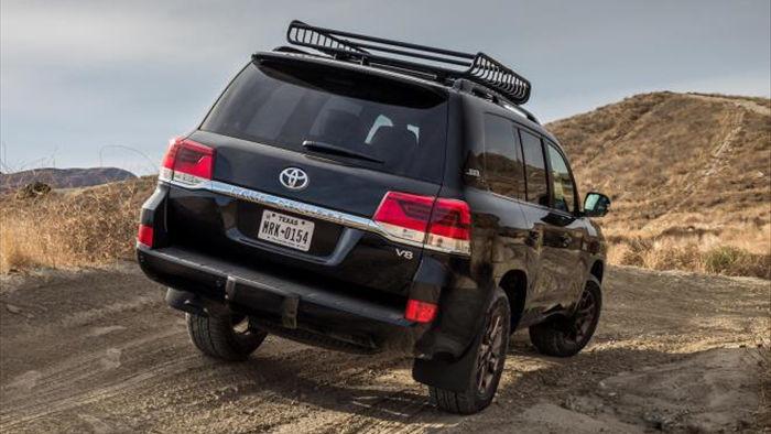 Toyota ấp ủ kế hoạch sản xuất Land Cruiser GR hiệu suất cao - 6