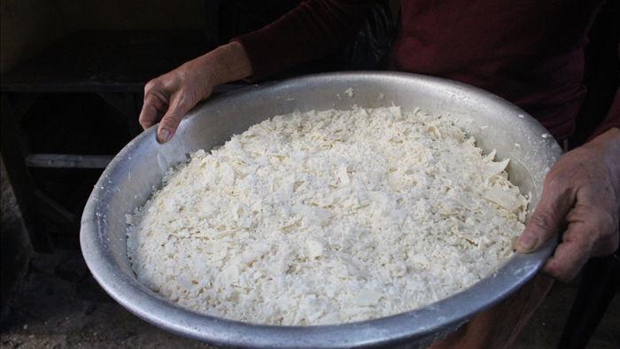 """Kỳ lạ món ăn độn nhà nghèo thời bao cấp, thành đặc sản """"xếp hàng"""" ở Hà Nội - 2"""
