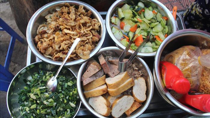 """Kỳ lạ món ăn độn nhà nghèo thời bao cấp, thành đặc sản """"xếp hàng"""" ở Hà Nội - 5"""