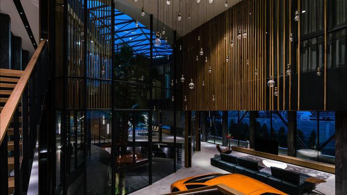 """Biệt thự hơn 1.000 m2 chứa cả bộ sưu tập siêu xe """"khủng"""" ở Sài Gòn - 6"""