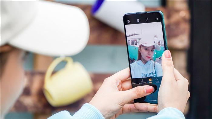 Camera ẩn dưới màn hình của Vsmart Aris Pro: Ảnh đẹp, quay video bị mờ ảo - 4