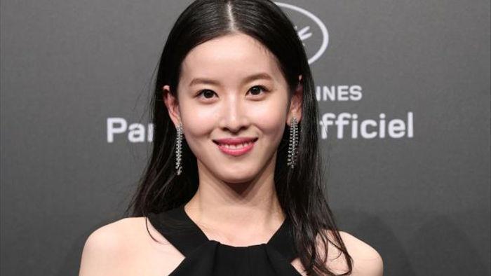Thành tích học tập đáng nể của nữ tỷ phú trẻ nhất Trung Quốc - 1