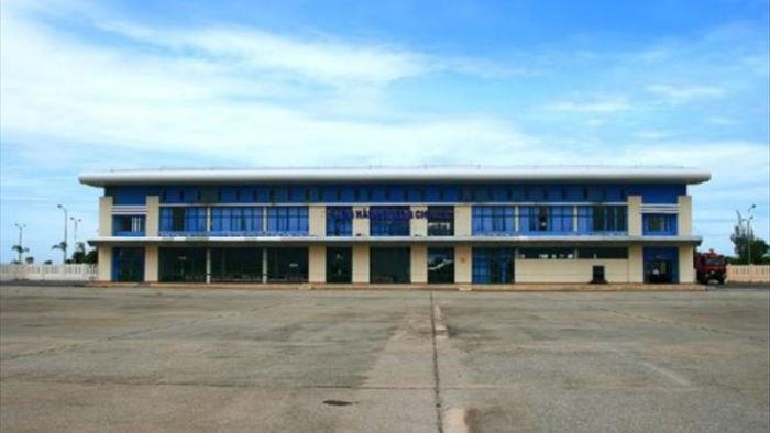 Khắc phục xong hậu quả của bão số 9, sân bay Chu Lai hoạt động trở lại - 1