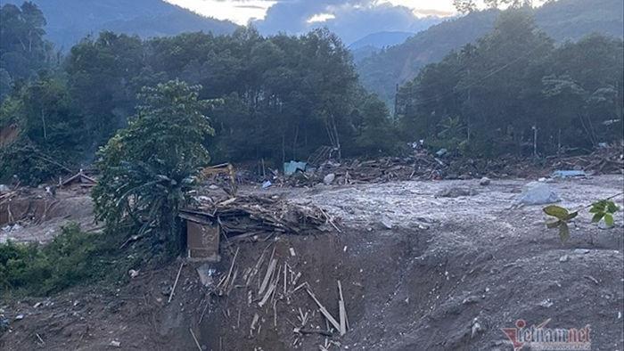 Lở núi ở Trà Leng: 21 người đã kịp chạy thoát sau tiếng nổ