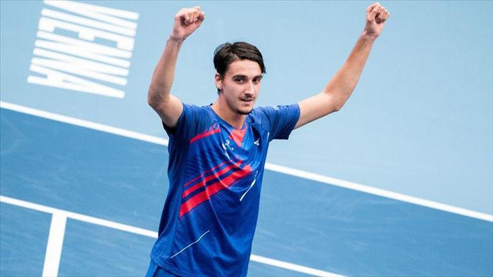 Djokovic thua sốc trước tay vợt hạng 42 ATP - 1