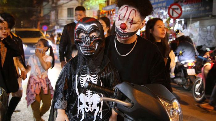 Đêm Halloween tại Hà Nội - 1
