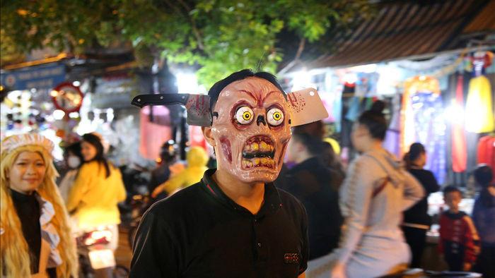 Đêm Halloween tại Hà Nội - 7