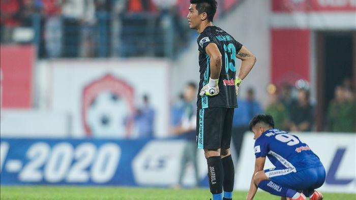 Thắng áp đảo nhưng CLB Quảng Nam vẫn phải xuống hạng, các cầu thủ bật khóc - 22