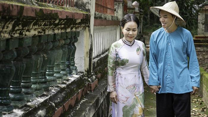 Việt Hương tình tứ với chồng trên phim trường Dương thế bao la sầu - Ảnh 8.