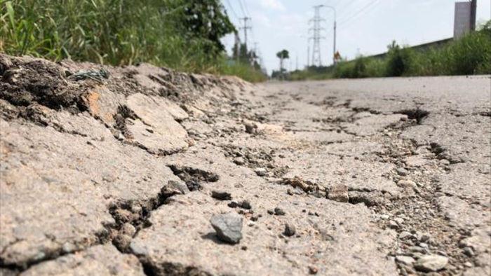 Ảnh: Con đường chỉ dài 2km nhưng có gần 100 'hố tử thần' ở Đồng Nai - 3