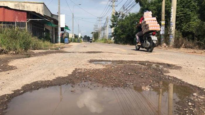 Ảnh: Con đường chỉ dài 2km nhưng có gần 100 'hố tử thần' ở Đồng Nai - 7