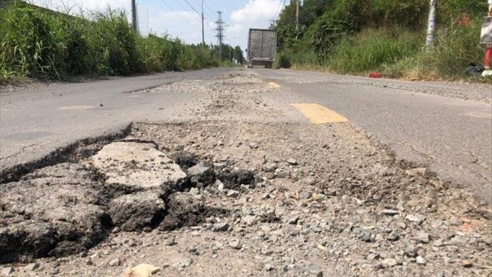 Ảnh: Con đường chỉ dài 2km nhưng có gần 100 'hố tử thần' ở Đồng Nai - 9