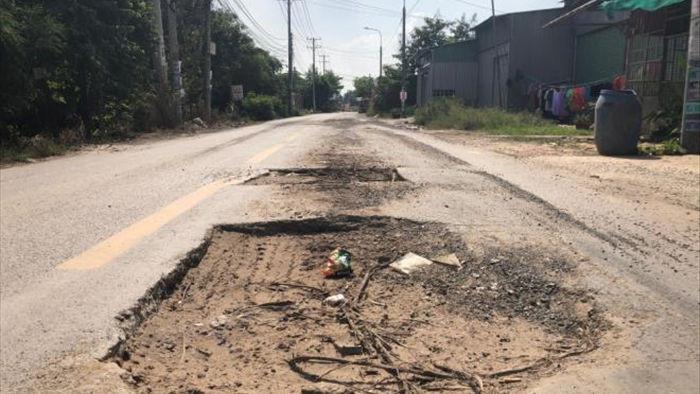 Ảnh: Con đường chỉ dài 2km nhưng có gần 100 'hố tử thần' ở Đồng Nai - 5