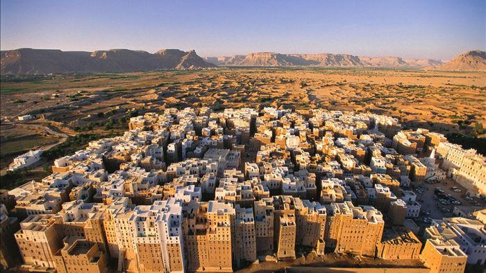 Thành phố cổ xưa nhất thế giới xây bằng gạch bùn có nguy cơ sụp đổ - 1