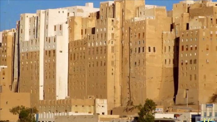 Thành phố cổ xưa nhất thế giới xây bằng gạch bùn có nguy cơ sụp đổ - 2
