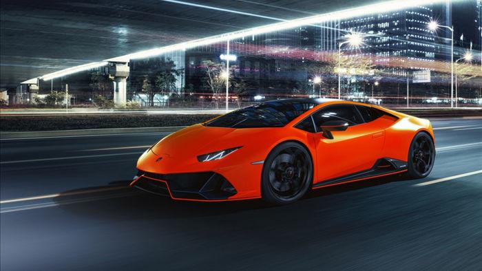Lamborghini Huracan EVO Fluo Capsule sẽ được bán ra bắt đầu từ đời xe 2021.