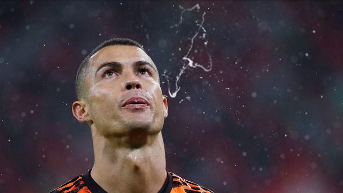 Ronaldo bị chê thiếu hiểu biết, không tôn trọng đồng đội Juventus