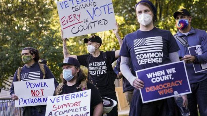 Người ủng hộ Trump – Biden biểu tình trên khắp nước Mỹ - 4