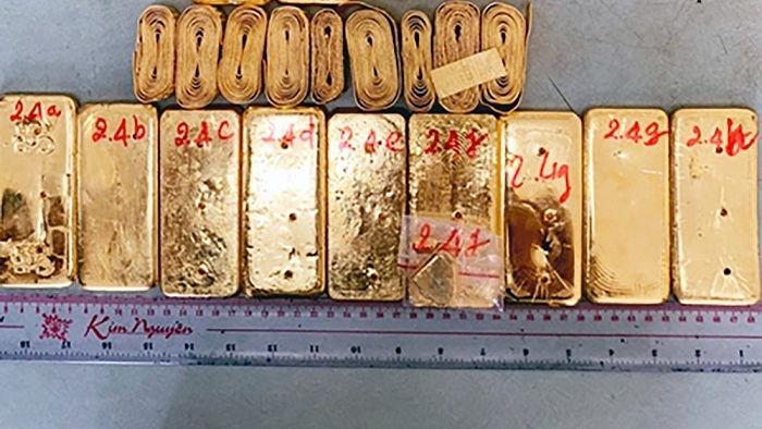 Tuồn 51kg vàng qua biên giới, chuyển 28kg vàng lậu bằng máy bay