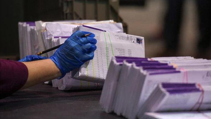 Đối mặt 10 năm tù vì phạm hơn 130 tội gian lận bầu cử