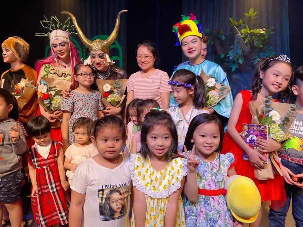 RƠI NƯỚC MẮT: Con gái Mai Phương nhận ra giọng mẹ lúc xem kịch-5