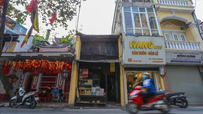 """Căn nhà cổ trăm tuổi làm từ gỗ lim, có kiến trúc """"độc nhất"""" phố cổ Hà Nội - 3"""