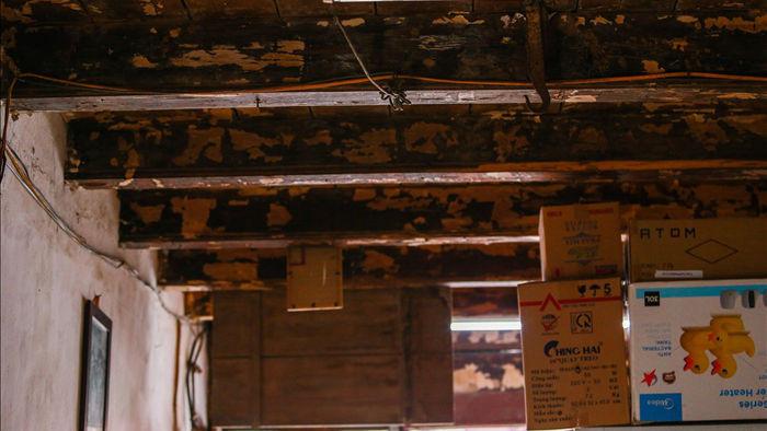 """Căn nhà cổ trăm tuổi làm từ gỗ lim, có kiến trúc """"độc nhất"""" phố cổ Hà Nội - 9"""