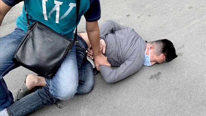 Cảnh sát nổ súng bắt cướp như phim hành động - 1