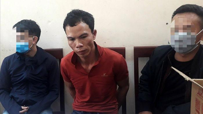 Trùm ma túy nã súng vào công an khi bị vây bắt - 1