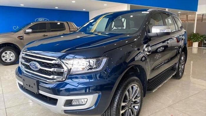 """Xe bán tải tháng 10: Ford Ranger """"bất bại"""", bỏ xa đối thủ"""