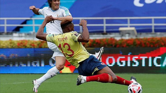 Cavani và Luis Suarez tỏa sáng ở vòng loại World Cup - 1