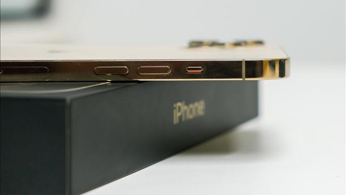 Trên tay iPhone 12 Pro Max đầu tiên tại Việt Nam, giá 53 triệu đồng - 2