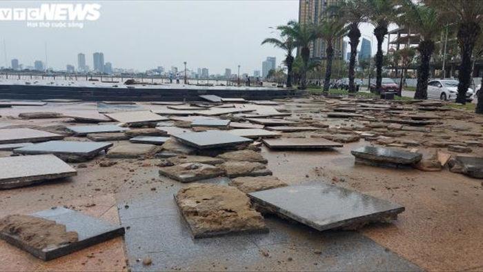 Ảnh: Bão Vamco càn quét, bờ biển, kè sông ở Đà Nẵng tan hoang - 8
