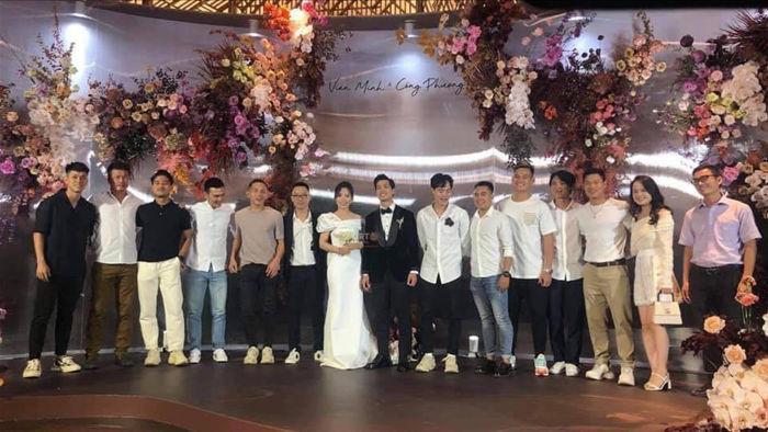Thầy Park và những người bạn thân trong đám cưới của Công Phượng - 7
