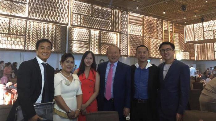 Thầy Park và những người bạn thân trong đám cưới của Công Phượng - 1