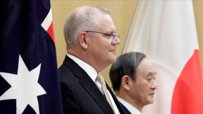 Thủ tướng Australia Scott Morrison và Thủ tướng Nhật Bản Yoshihide Suga trong lễ tiếp đón tại Văn phòng của Thủ tướng Suga ở Tokyo. Nguồn: The Australian