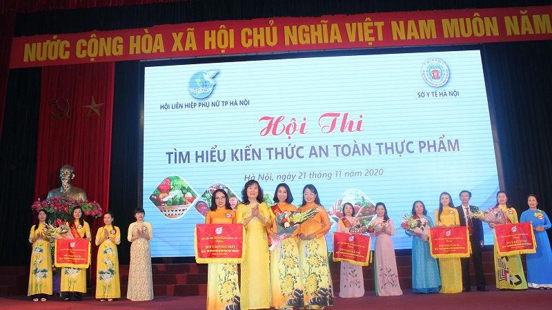 Hội Liên hiệp Phụ nữ quận Tây Hồ giành giải Nhất cuộc thi về An toàn thực phẩm - 2