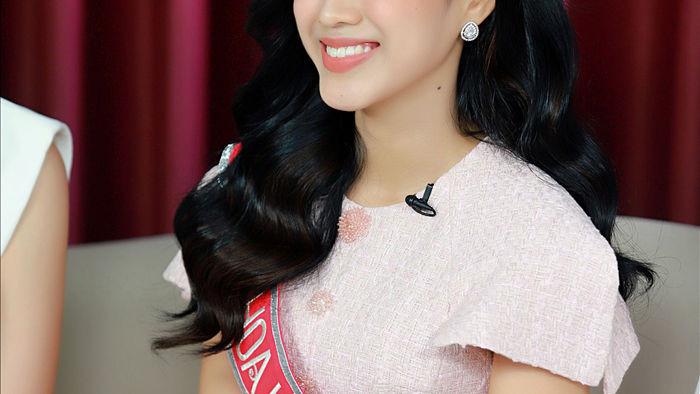 Top 3 Hoa hậu Việt Nam 2020: Hoa hậu bật khóc khi nhắc lại đêm Chung kết, Á hậu 1 cực ấn tượng với khả năng ứng xử khéo léo - Ảnh 9.