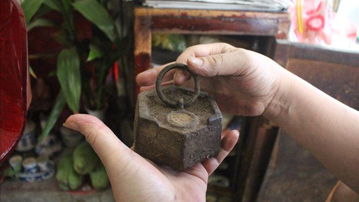 Báu vật giúp hàng giò chả nức tiếng phố cổ Hà Nội đông khách suốt 40 năm - 5