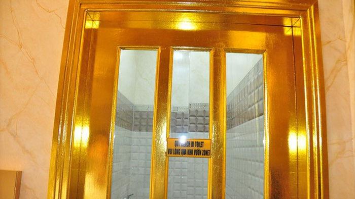 Ngôi nhà dát vàng độc nhất vô nhị giữa lòng Tây Đô - 9