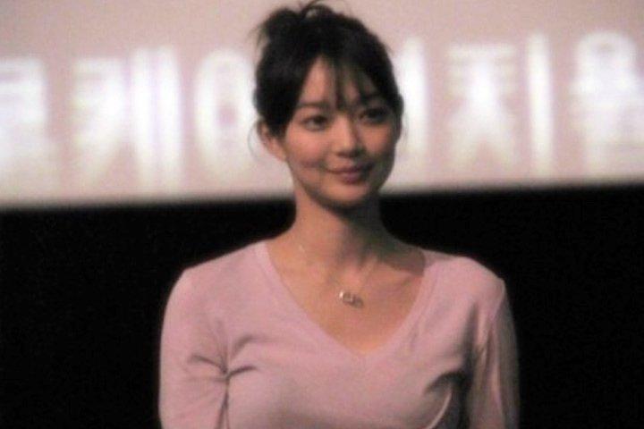 Ảnh chưa chỉnh sửa của mỹ nhân Hàn: Body Jeon Ji Hyun đẳng cấp, sống mũi Han Ga In hoàn hảo-17