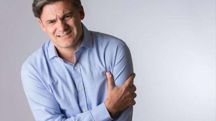 8 dấu hiệu cảnh báo cơn đau tim - 7