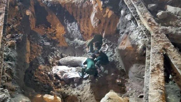 Trụ sở cạnh quả bom mới phát hiện ở Hà Nội, EVN cho nhân viên làm việc online - 1