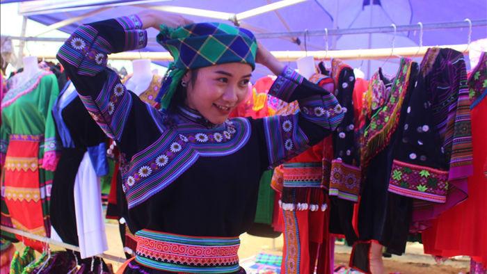 Thưởng thức thắng cố, mèn mén tại chợ phiên người Mông độc đáo ở Đắk Nông - 10
