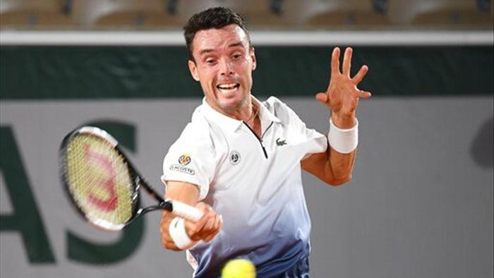 Novak Djokovic kiếm tiền giỏi nhất làng banh nỉ năm 2020 - 1