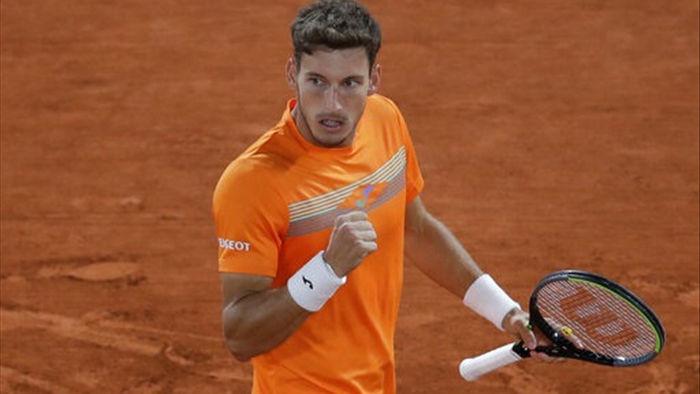 Novak Djokovic kiếm tiền giỏi nhất làng banh nỉ năm 2020 - 2